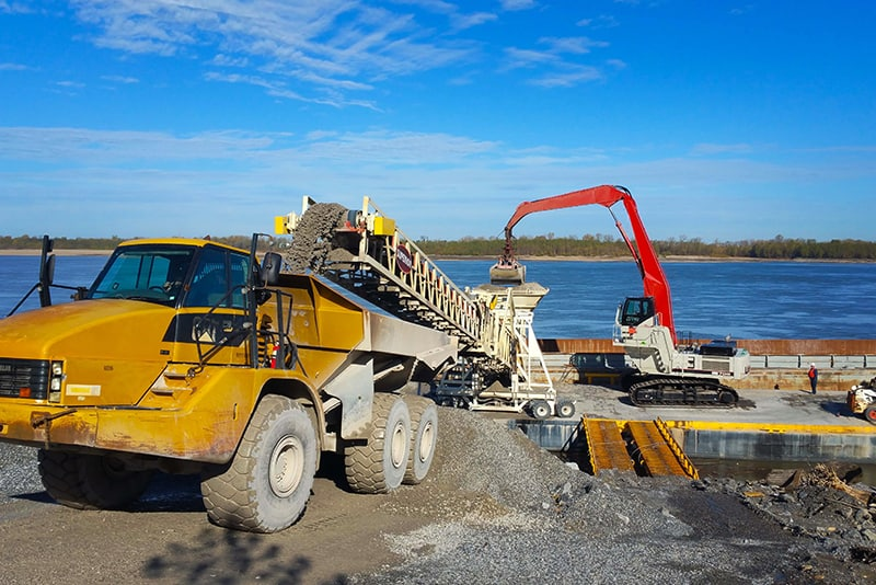 Conveying - barge loading - 06 by Superior Industries