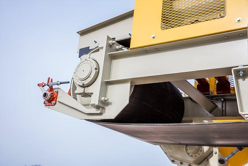 Dozer Trap Conveyor by Superior Industries.jpg