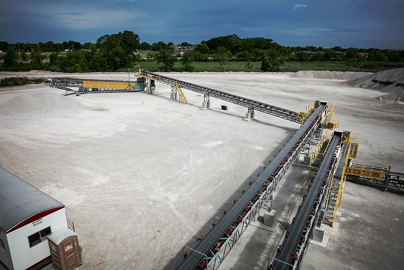 In-Plant Conveyor transferring material