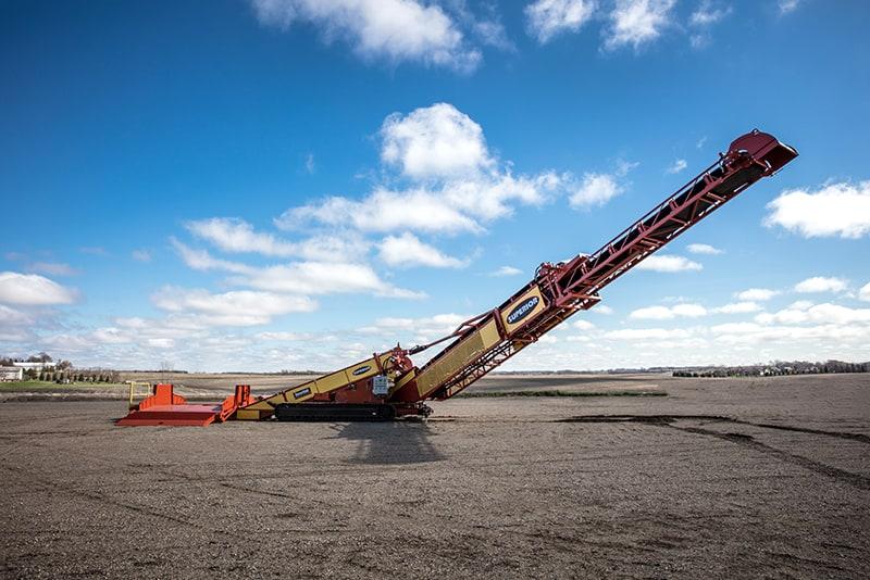 Extended RazerLink® Mobile Conveyor by Superior Industries