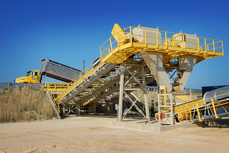 Stationary Truck Unloader in application | Superior Industries