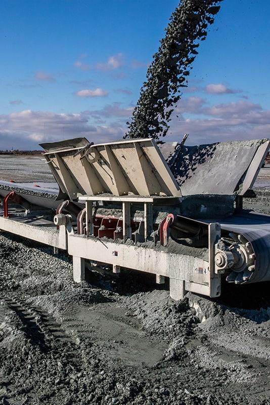 carver-companies-vertical-trailblazer-conveyor-by-superior-industries-2