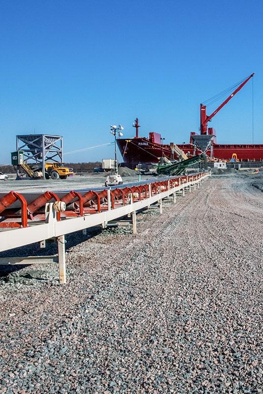 carver-companies-vertical-trailblazer-conveyor-by-superior-industries