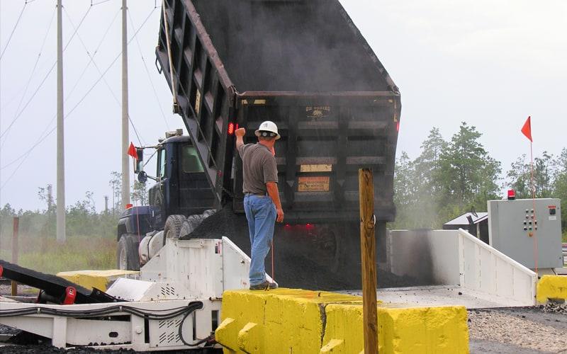 conrad-yelvington-razertail-truck-unloader-by-superior-industries