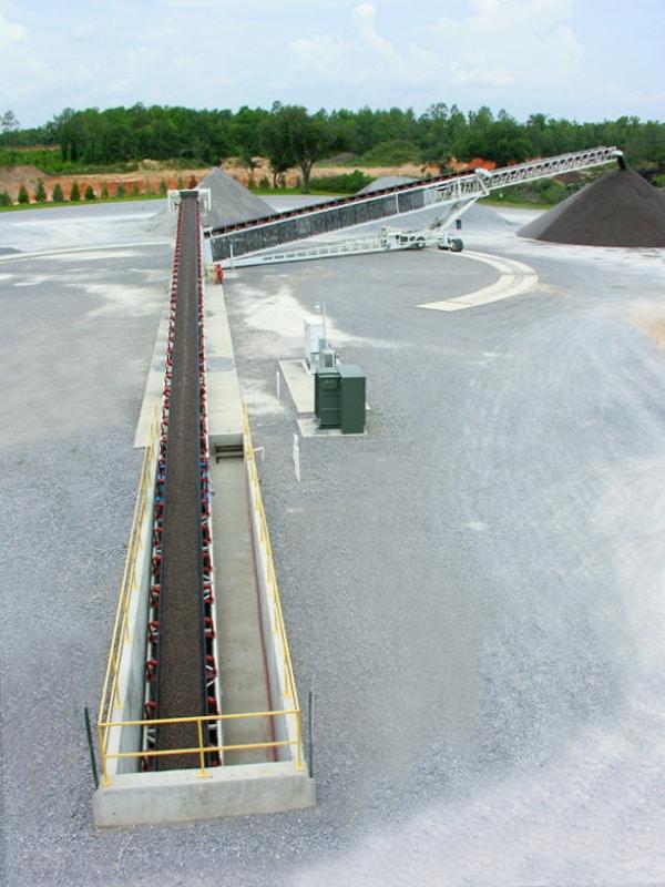 conrad-yelvington-telestacker-conveyor-by-superior-industries-2