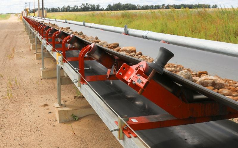 dakota-aggregates-zipline-conveyor-by-superior-industries