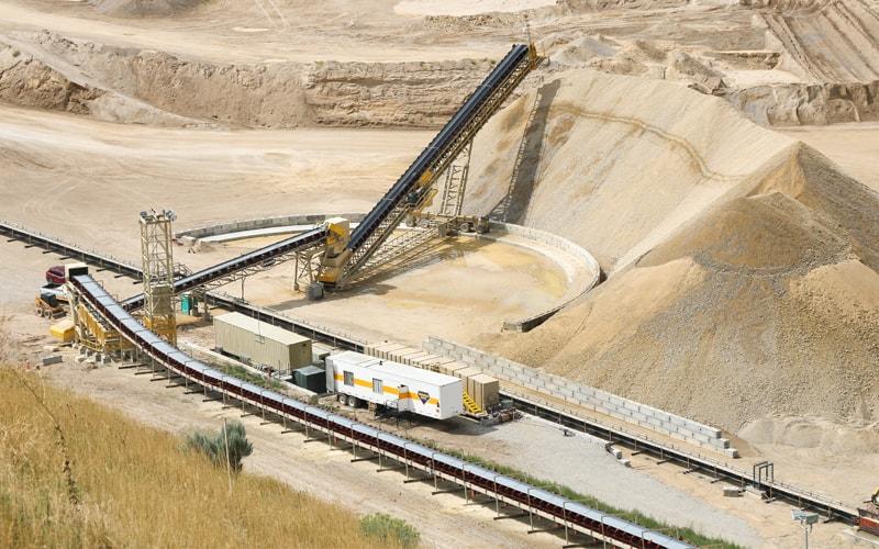 geneva-rock-conveyor-by-superior-industries