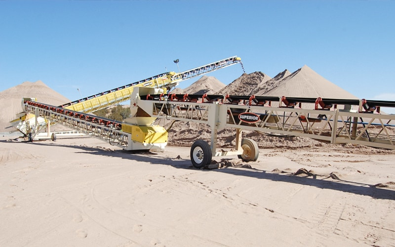 preferred-sands-telestacker-conveyor-by-superior-industries-2