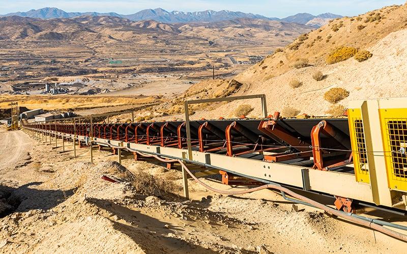 geneva-rock-overland-conveyor-by-superior-industries