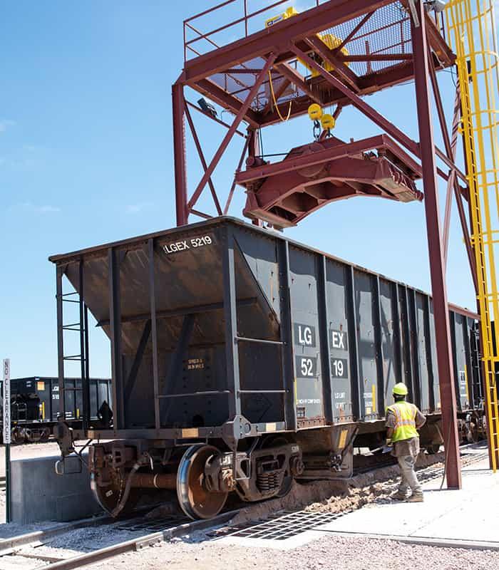 lg-everest-rail-loading