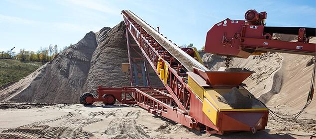 Pinnacle Conveyor | Stockpiling Conveyor | Superior Industries