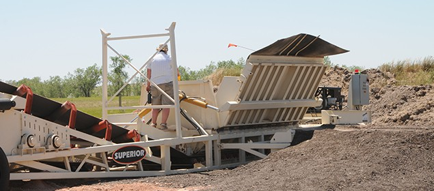RazerTail Truck Unloader | Feed Conveyor | Superior Industries