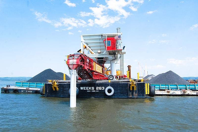 customer-story-weeks-marine-barge-mounted-telestacker-by-superior-industries-6