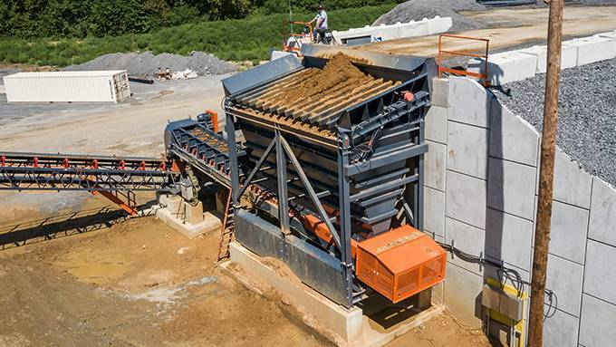 Stationary Feed Hopper   Superior Industries